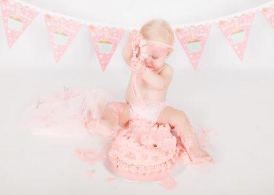 Alana Kruger Cake Smash Photo Session